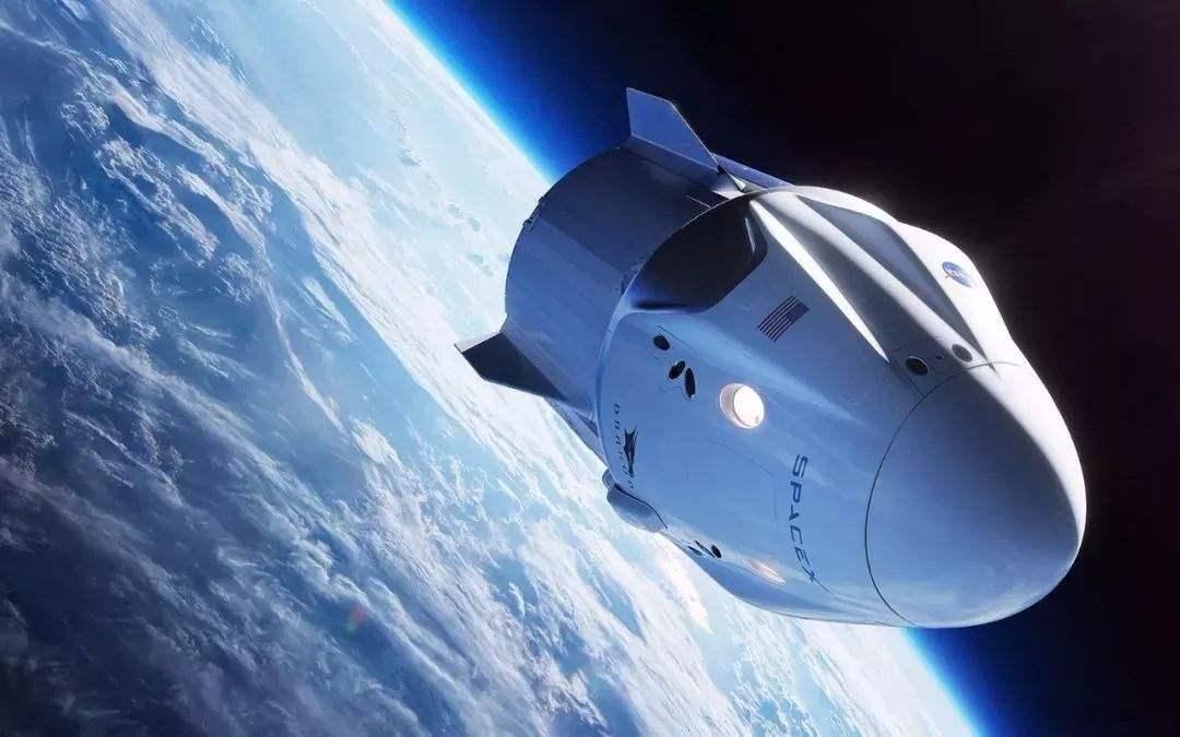最早将在4月底发射 龙飞船有望成首个载人商业航天器